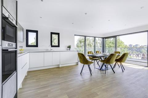 3 bedroom penthouse for sale - Stanhope Road, Highgate, London, N6