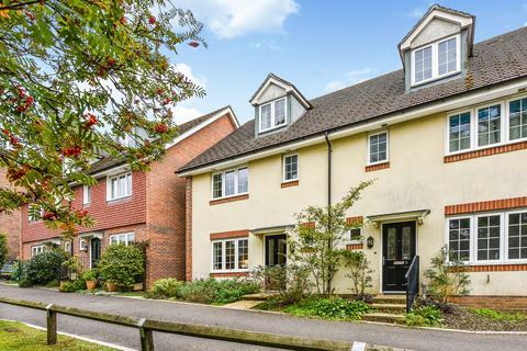 4 bedroom semi-detached house for sale - Minden Place, FOUR MARKS, Hampshire