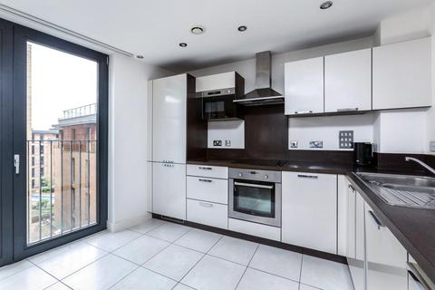 2 bedroom flat to rent - Albatross Way, London SE16