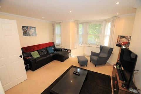 2 bedroom apartment to rent - Seymour Road, Chiswick