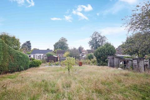 3 bedroom bungalow for sale - Fakenham Road, Taverham, Norwich