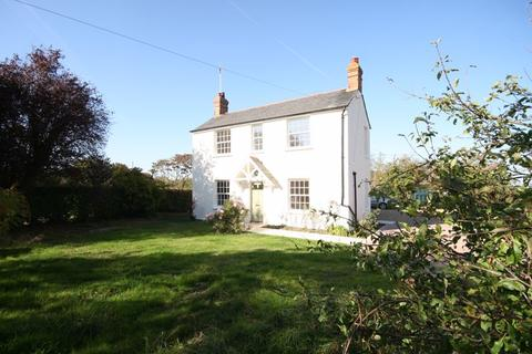 3 bedroom detached house to rent - Skittle Green