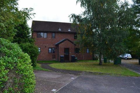 1 bedroom flat to rent - Derrick Close, Reading