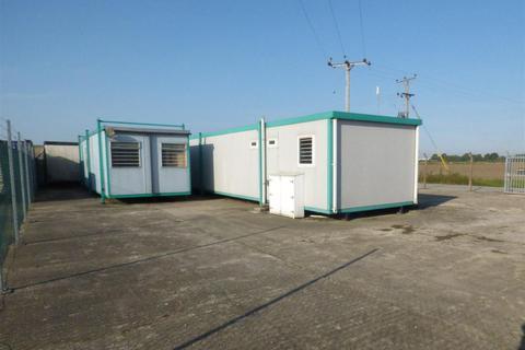 Property to rent - Catfoss Industrial Estate, Brandesburton, Driffield