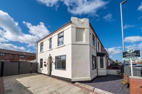 3 bedroom semi-detached house for sale - Warrington Road, Prescot