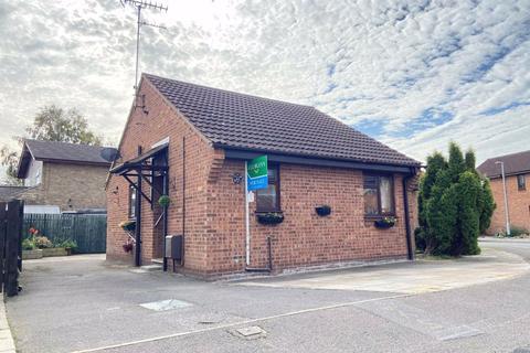 1 bedroom semi-detached bungalow - Brindlegate, Pocklington