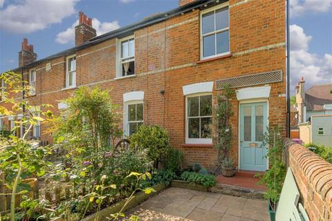 3 bedroom end of terrace house for sale - Ernest Cottages, Ewell, Surrey