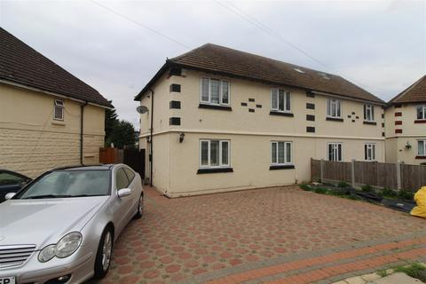 3 bedroom semi-detached house for sale - Trustons Gardens, Hornchurch