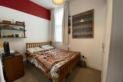 1 bedroom flat for sale - Holmesdale Road, London