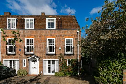 4 bedroom end of terrace house for sale - Abbotsbury Close, London, W14