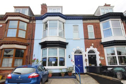 Guest house for sale - 29 Queens Parade, CleethorpesDN35 0DF