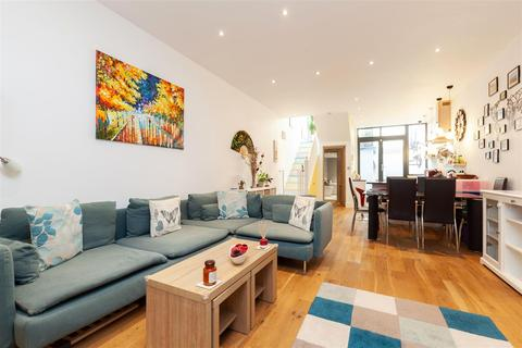 2 bedroom flat for sale - Evering Road, Stoke Newington, N16