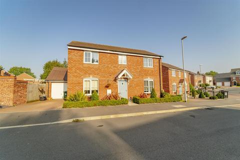 4 bedroom detached house for sale - Stonebridge Way, Calverton, Nottinghamshire, NG14 6RZ