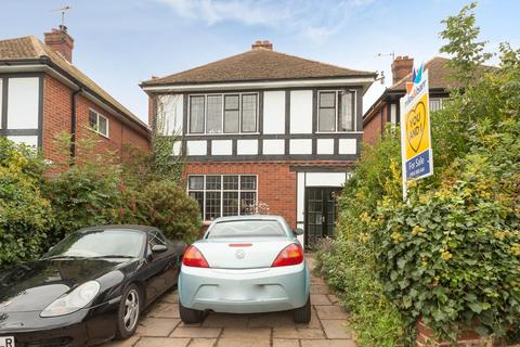 3 bedroom detached house for sale - Carlton Avenue, Broadstairs