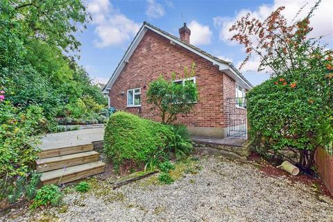 3 bedroom detached bungalow - Hillside, Farningham, Kent