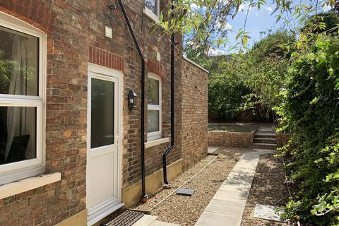 1 bedroom property to rent - Clapham Road, Bedford MK41