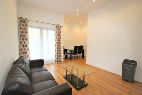 3 bedroom apartment to rent - Hewison Street , Mile End E3