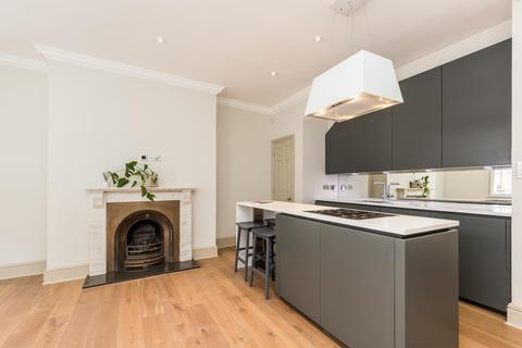 2 bedroom townhouse to rent - Ormond Yard, London, SW1Y