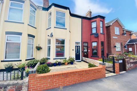 3 bedroom terraced house for sale - Cliff Road,  Hornsea, HU18