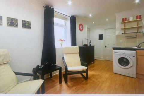 1 bedroom flat to rent - Firle Place , Earlsfield , London  SW18
