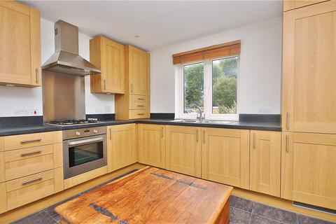 1 bedroom apartment to rent - Bowes Road, Staines Upon Thames, Middlesex, TW18