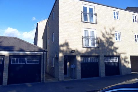 2 bedroom apartment to rent - Rotary Close, Dewsbury, WF13