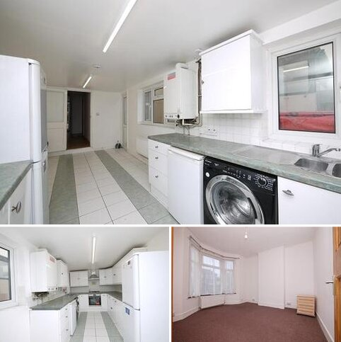 4 bedroom terraced house to rent - Crownfield Road, London, Greater London. E15