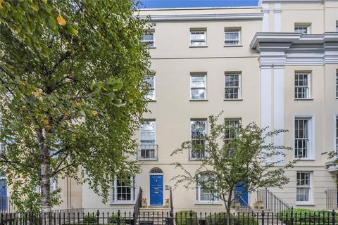 2 bedroom apartment for sale - Wellington Place, London Road, Cheltenham, Gloucestershire, GL52