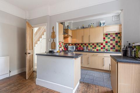 3 bedroom house to rent - Links Road Tooting SW17