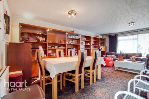 3 bedroom end of terrace house for sale - St Peters Gardens, London
