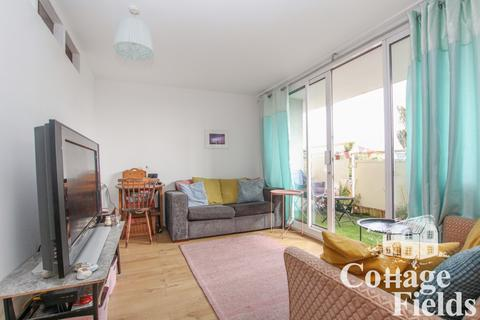 2 bedroom flat for sale - Cedar Road, Enfield Chase, EN2 - Two Bedroom Two Reception First Floor Apartment