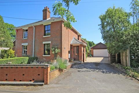 3 bedroom semi-detached house for sale - Cull Lane, New Milton, Hampshire, BH25