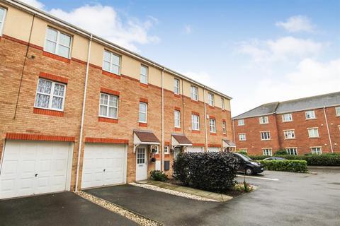 3 bedroom terraced house for sale - Britannia Road, Bridlington, YO16 4ET