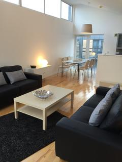 3 bedroom terraced house to rent - Peregrine Street, Hulme