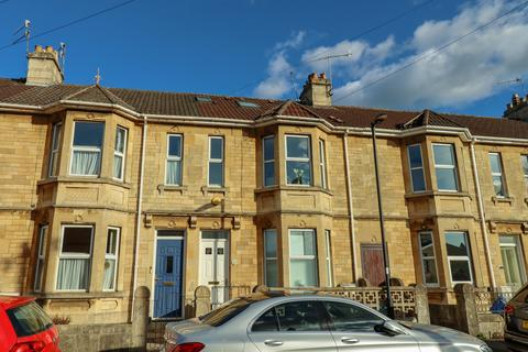 8 bedroom terraced house for sale - Junction Avenue, Oldfield Park, Bath