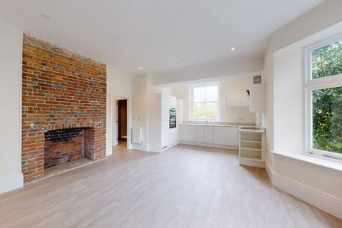 2 bedroom apartment to rent - Rye Road, Hawkhurst, Cranbrook