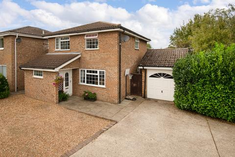 4 bedroom detached house for sale - Tower Close, Bassingbourn, Royston
