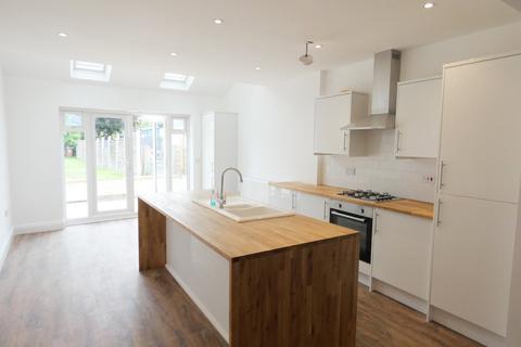 3 bedroom terraced house to rent - Birmingham Road, Shenstone Wood End
