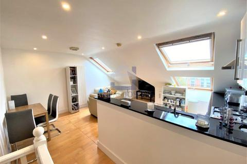 2 bedroom flat to rent - Norfolk House Road, Streatham Hill, London, SW16 1JH