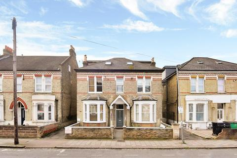 1 bedroom flat to rent - Longley Road, London SW17