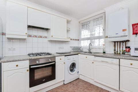 3 bedroom flat to rent - Hampson Way, London SW8