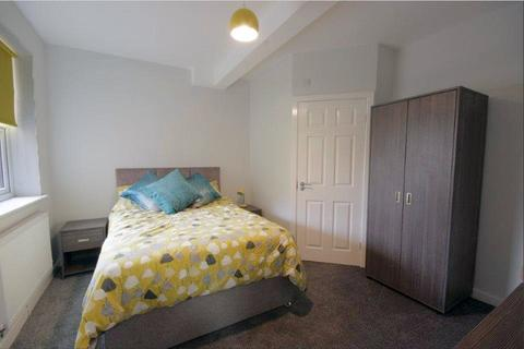 7 bedroom house share to rent - Oldham Road, Failsworth,