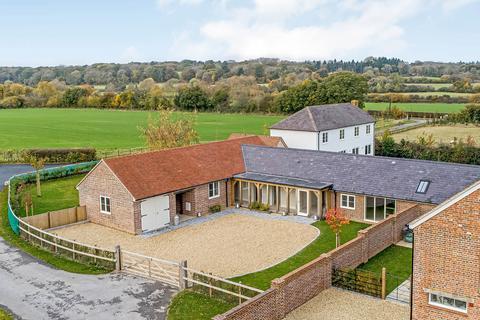3 bedroom bungalow for sale - Stubwood Farm, Hungerford, Berkshire RG17 0RD