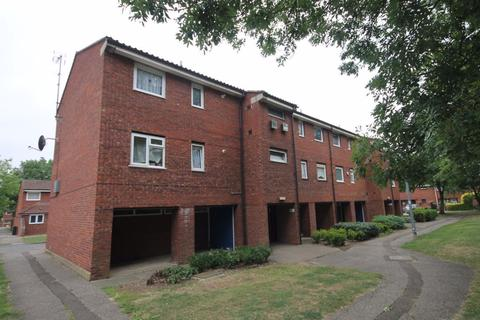 1 bedroom flat to rent - Farmers Court, Waltham Abbey