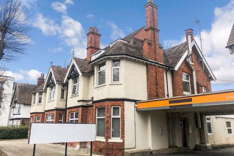 Studio to rent - Manor Road, City Centre, CV1 2LH