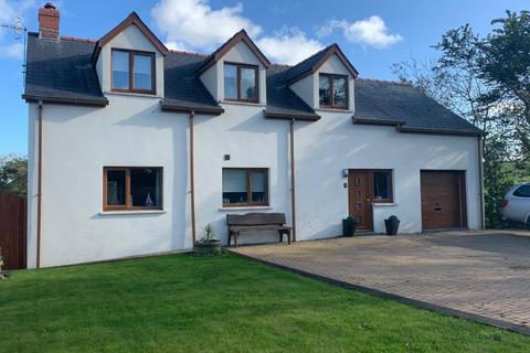 4 bedroom detached house - 2 Parc-Y-Ffynnon, Dwrbach, Fishguard