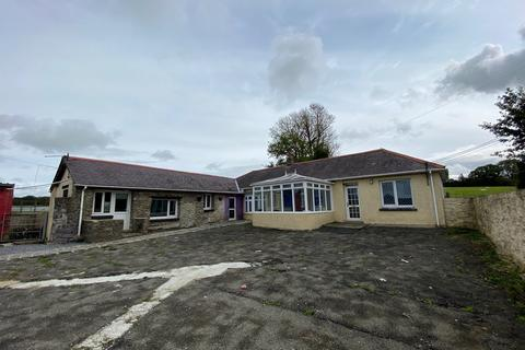 5 bedroom property with land for sale - Cribyn, Lampeter, SA48