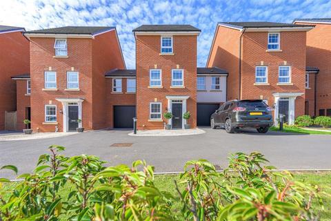 4 bedroom townhouse for sale - Penrhyn Way, Grantham
