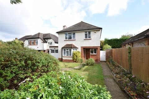 3 bedroom detached house to rent - Wilbury Avenue, Cheam, Sutton
