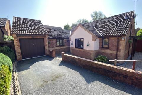 3 bedroom bungalow for sale - Wheatsheaf Close, Oakwood, Derby